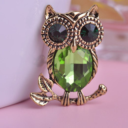 Wholesale Korean Clip Brooches - Wholesale Rhinestone Crystal Vintage Anti Gold Plated Owl Brooch Jewelry Collar Clip Pins Korean Fashion Bijouterie Gift Broche