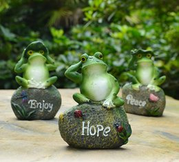Resin crafts, frog style, desk and table decoration decoration. The village of cartoon animal, flower ornaments.