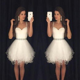 2018 Spaghetti Straps White Homecoming Dresses with Beading Waistline Tiered Tulle Dresses Sweet 16 Gowns Cocktail Short Party Dresses