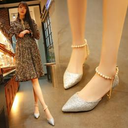 Promotion perles de diamant hauts talons Chaussures décontractées pour femmes Chaussures Talons hauts Chaussures Chaussures Sexy Paillettes Pierres perlées Bouche peu profonde Sandales Pompes