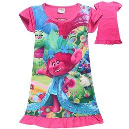 Vestidos de dibujos animados de la niña 2017 verano Trolls Moana bebé vestido vestido de dibujos animados de longitud media Outwear ropa de manga corta vestidos de niñas desde vestidos de verano de la manga medio proveedores