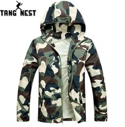 Wholesale New Arrival Men Fashion Camouflage Jacket Summer Tide Male Hooded Thin Sunscreen Coat APPAREL MWW170