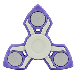 Hand Spinner Toys New bluetooth speakers bring music rechargeable nanobearings with lights on the top of the fingertop gyroscope