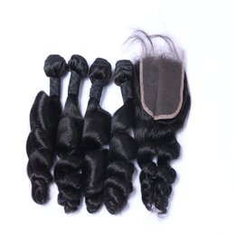 Wholesale Hot Selling 4*4 Lace Closure With Brazilian Hair Bundles 4pcs Loose Wave Hair Weave Unprocessed Hair Peruvian Extensions No Tangle