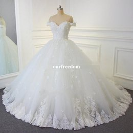 2019 Lace Ball Gown Vintage Wedding Dresses Arabic Off-the-shoulder Beads Bridal Gowns Hand Made Flowers Lace Up Backless Wedding Gowns