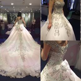 Promotion robe de conception de cristal courte Robe de mariée en satin de mariée en satin de mariée