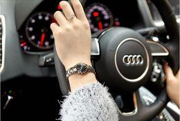 Mujer del estilo de reloj resistente al agua en venta-Moda coreana simples estilo chicas relojes de cuarzo mujeres de estudiantes reloj amantes reloj impermeable con noctilucencia placa de cristal [Q047]