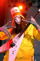 Voler v en Ligne-Rare Jack Son Guitare électrique Buckethead KFC Flying V Blanc Electirc Guitare Rouge Strpe Peinture Sur le ring droit Floyd Rose Tremolo Birdge
