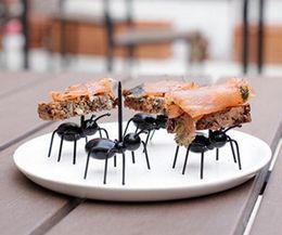 Wholesale 12pcs set Cute Mini Ant Fruit Fork Eco Friendly Plastic Easy Decoration Kitchen Bar Kids Dessert Forks Tableware
