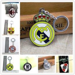 Wholesale Ebay Hot Selling Soccer Football Club Logo Souvenir Copper steel Keychain KeyRing
