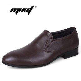 2017 los hombres hechos a mano de los zapatos oxford Nuevos zapatos de moda de los hombres del estilo de la manera, zapatos hechos a mano de Oxford, zapatos del tamaño de los hombres del tamaño más, zapatos de la boda del negocio para los hombres los hombres hechos a mano de los zapatos oxford en venta