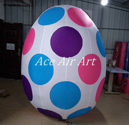 2017 hot sale 2.2m H beautiful Inflatable Eggs with colorful dots for Festival Decorations in Spain