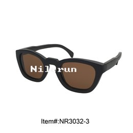 unisex brown polarized lens dark color bamboo sunglasses