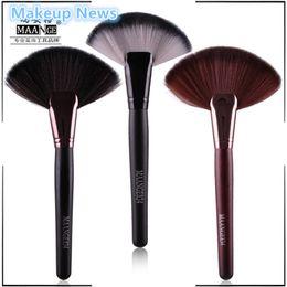Wholesale pc Soft Makeup colors maange Large Fan Brush Blush Powder Foundation Make Up Tool big fan Cosmetics brushes nake News