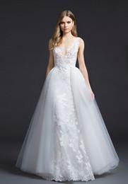 robe de mariee boheme chic et deux en un, une jupe longue