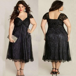 Elegant Mother Of the Bride Dresses Scalloped Short Sleeve Plus Size Black Lace Mother Of Groom Tea Length Formal Gowns Wedding Guest Dress