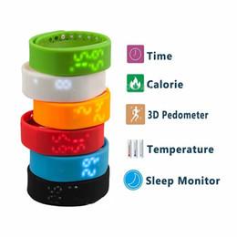 Wholesale Venta al por mayor LED Digital Deportes USB reloj de pulsera de silicona banda de reloj inteligente para los niños Mujeres Caloría de los hombres D podómetro el mejor regalo de Navidad