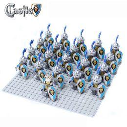 21pcs Medieval Rome Castle Knight Lion knights Blue White Crown Bat Army weapon horse minifigure Building Block Brick accessory minifigs