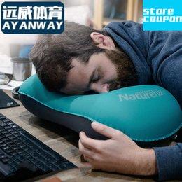 En gros- gonflable oreiller sieste petit appui-tête dos coussin voyage oreiller soutien lombaire Air soufflant type lumière Pas d'odeur particulière tpu à partir de oreillers de soutien lombaire fournisseurs