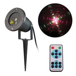 Wholesale Laser Christmas Projector Red Green Outdoor Waterproof Landscape Spotlights Low Voltage Flash Laser Star Lights with Remote Control