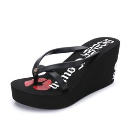 2017 New European and American fashion women's shoes, flip flops, high heels, comfortable heels, beach slippers, summer slippers