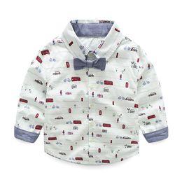 Descuento coche de camisetas al por mayor Ropa de los niños Ropa de los niños Niños camiseta de arco manga larga Cool coche de impresión de dibujos animados Hombre T-shirt algodón de marca al por mayor