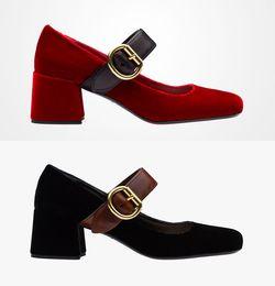 Les brunes à vendre-Mary jane hauts talons chaussures de mariage 2017 noir / vert / marron / rouge / bleu pompes velours vintage pour les femmes de soirée de soirée de mariage