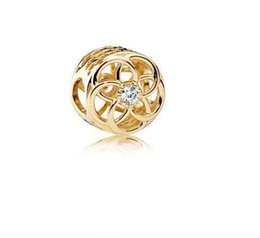Corazón del oro de la pulsera 925 en Línea-El corazón auténtico del amor del hueco del oro del encanto del grano de la plata esterlina del 100% 925 con los granos cristalinos de la flor cupieron la joyería europea de la pulsera