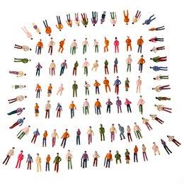Figuras de la gente modelo en Línea-Al por mayor 100pcs modelo de personas OO escala 1:75 mezcla pintado modelo de personas paisaje plástico tren parque calle pasajero personas figuras