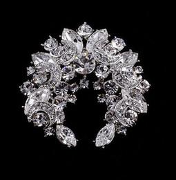 Sparkly-Clear Rhinestone Crystal Moon and Star Wreath Diamante party brooch