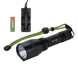 Super bright 2000 Lumens LED Flashlight Torch Light Kit with Battery and Charger for outdoor home night Tactical flashlight