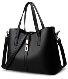 Acheter en ligne Chaîne grand sac-De haute qualité de grande capacité en cuir véritable sac à main femmes en Europe et sac à main femelle sac à bandoulière épaule