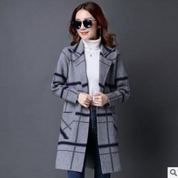 Korean women s dress On-line-2016 nova camisola de inverno na seção longa da versão coreana das mulheres de moda listras de cor lapela casaco de cardigã casaco vestido casual