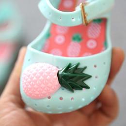2017 la conception de chaussures de couleur 2017 Sandales d'ananas filles avec design creux Design Sandales Cartoon Candy Color Enfants Chaussures mignonnes la conception de chaussures de couleur offres