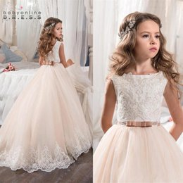2017 Vintage Flower Girl Dresses For Weddings Blush Pink Custom Made Princess Tutu Sequined Appliqued Lace Bow Kids Pageant Gowns BA4396