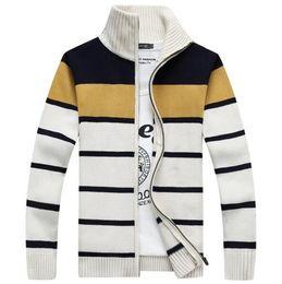Wholesale New Hot Sale Warm Cardigans Sweaters For Men Winter Sweater Striped Stand Collar Mens Knitwear Sweaters Fashion Men Sweaters Zipper