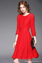 НОВАЯ женщина зима осени моды кружева A-line маятник тонкое платье Paneled печать семь рукав красный QPE08 от Производители подкладке панель