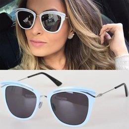 New 2017 Titanium Sunglasses Retro Fashion Top Quality Women Brand Designer Fashion Brand Sunglasses Slender Arms Super Light Sunglasses