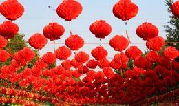 Wholesale 26 cm Dia chinois traditionnel Fésif rouges lanternes de papier pour anniversaire Décoration de mariage Décoration Fournitures pendantes LLFA