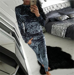Wholesale Aliexpress autumn new fashion leisure suit velvet fitting long sleeved sweate