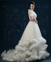 2016 Feather Wedding Dresses Strapless Simple White Gowns Wave Details One-Shoulder Wedding Dress Vintage Style Princess Wedding Gowns