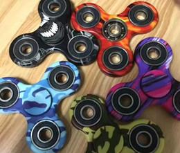 Wholesale Camouflage Tri Fidget Spinner camouflage Hand Fingertip Spinner Gyro Cross Style EDC Torqbar Handspinner Desk