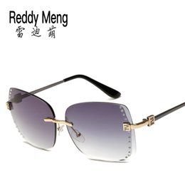 Reedy Meng brand Classic outdoor beach travel Sunglasses (lady)Women Fashion frameless glasses and 2017 new summer A mirror box cloth bag