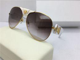 Wholesale VS Fashionable brand people head classic retro style sunglasses lady design board metal retro man design Usher
