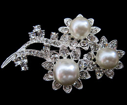 Flower Design Silver Plated Clear Rhinestone Crystal White Pearl Brooch
