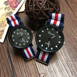 Wholesale Fashion sports watch men s watch with a pair of men with the trend of women s quartz watch manufacturers