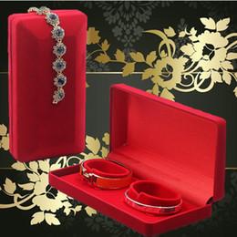 Christmas Gift Packaging Organizer Red Velvet Couple Bracelet Holder Display Jewelry Box Large 18*9*4CM