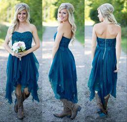 Descuento sin tirantes damas de alta-baja de vestir Teal High Low rústica vestidos de dama de honor 2017 High Low Strapless Vintage ata de encaje una línea de limpieza de vestidos de honor formal vestidos de boda