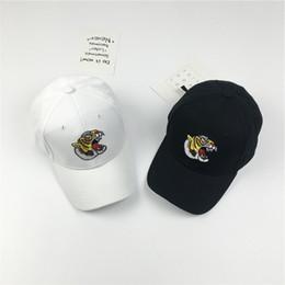 2017 New Tiger Head Embroidered Snapback Hat Cartoon Snapbacks Hats Adjustable Hip Hop Cap men women Baseball Caps