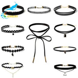 Wholesale Yiwu factory fashion alloy pendant jewelry black velvet choker statement bib layered necklace sets women
